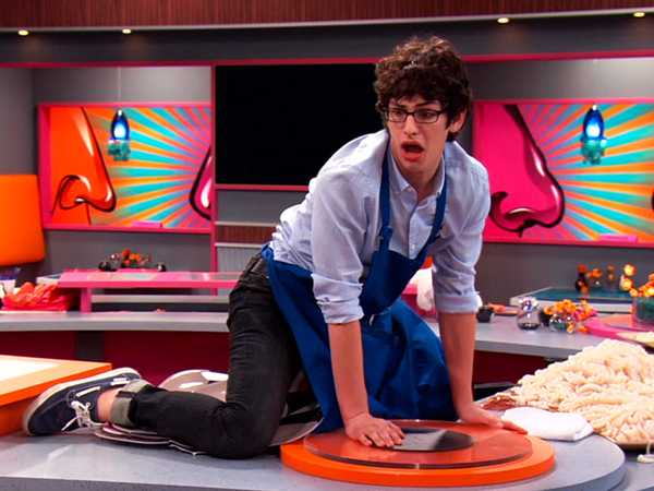 """VICTORiOUS: """"The Squid & The Coconut"""""""