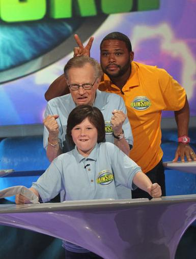 Funny Bunny|Anthony Anderson decides to give Larry King some friendly bunny ears before the games begin. LOL.