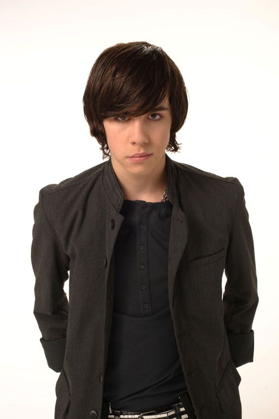 Munro Chambers as Eli on Degrassi -- would you say he's goth?