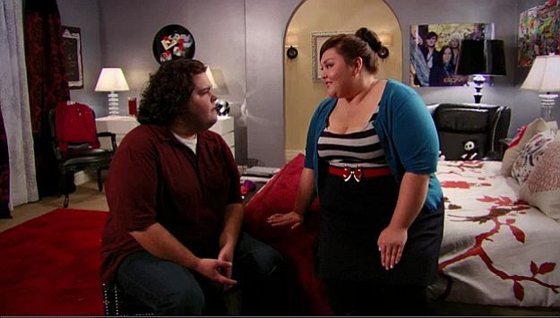 Piper and Peter on TeenNick's Gigantic