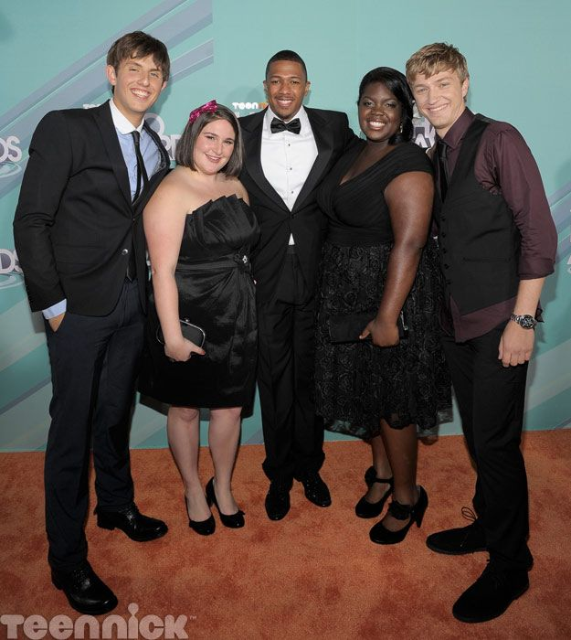 Nick Cannon (center) with 2011 TeenNick HALO honorees Kyle Weiss, Emily-Anne Rigal, Shanoah Washington and James O'Dwyer