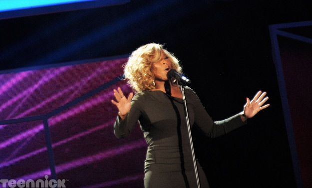 Mary J. Blige, performing live at the 2011 TeenNick HALO Awards