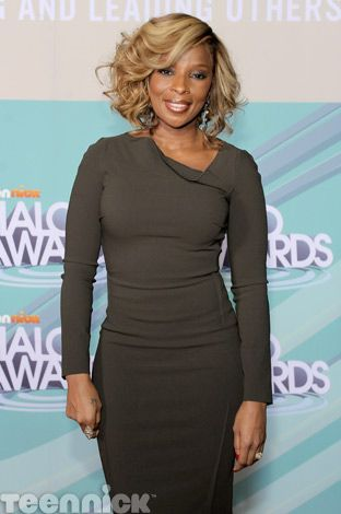 Mary J. Blige at the 2011 TeenNick HALO Awards