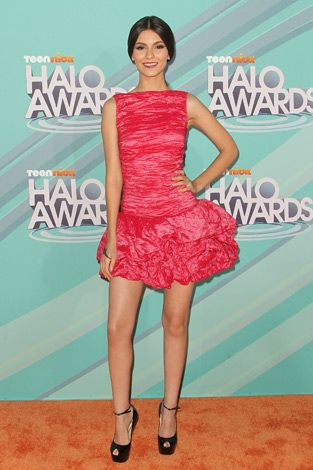Victoria Justice at the 2011 TeenNick HALO Awards