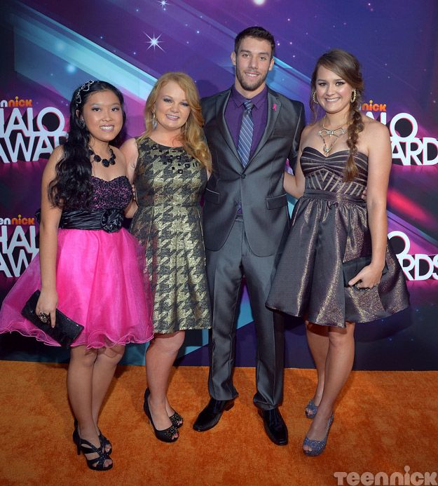 2012 HALO honorees on the orange carpet