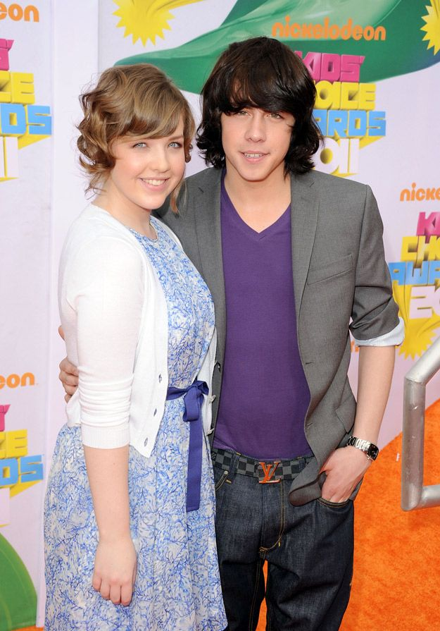 Munro Chambers and Aislinn Paul at the 2011 Kids' Choice Awards