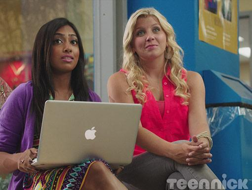 Alli and Jenna talk about Connor's new look.