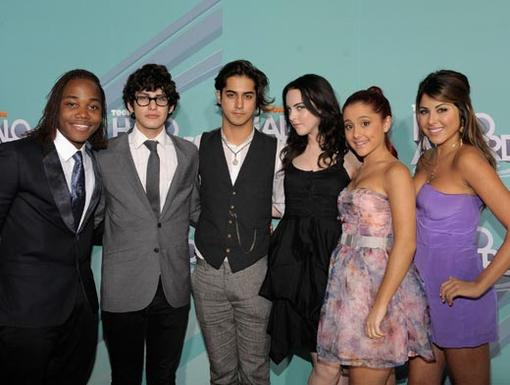 2011 HALO Awards: Orange Carpet | Cast of