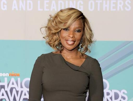 2011 HALO Awards: Orange Carpet | Singer Mary J. Blige
