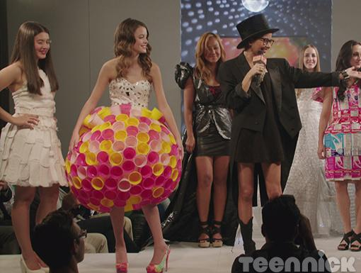 Peep the garbage bag dress behind Imogen. It's fashion week at Degrassi.