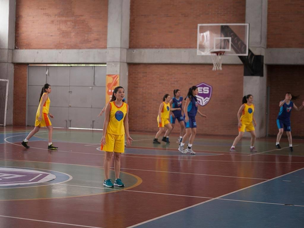 mgid:file:gsp:scenic:/international/mundonick.com/nickv2/Photogalleries/baloncesto/NOOBEES_EP35_MG_9748.jpg